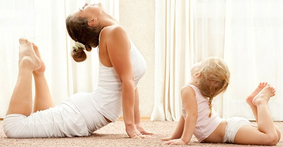 yoga-mother-and-daughter