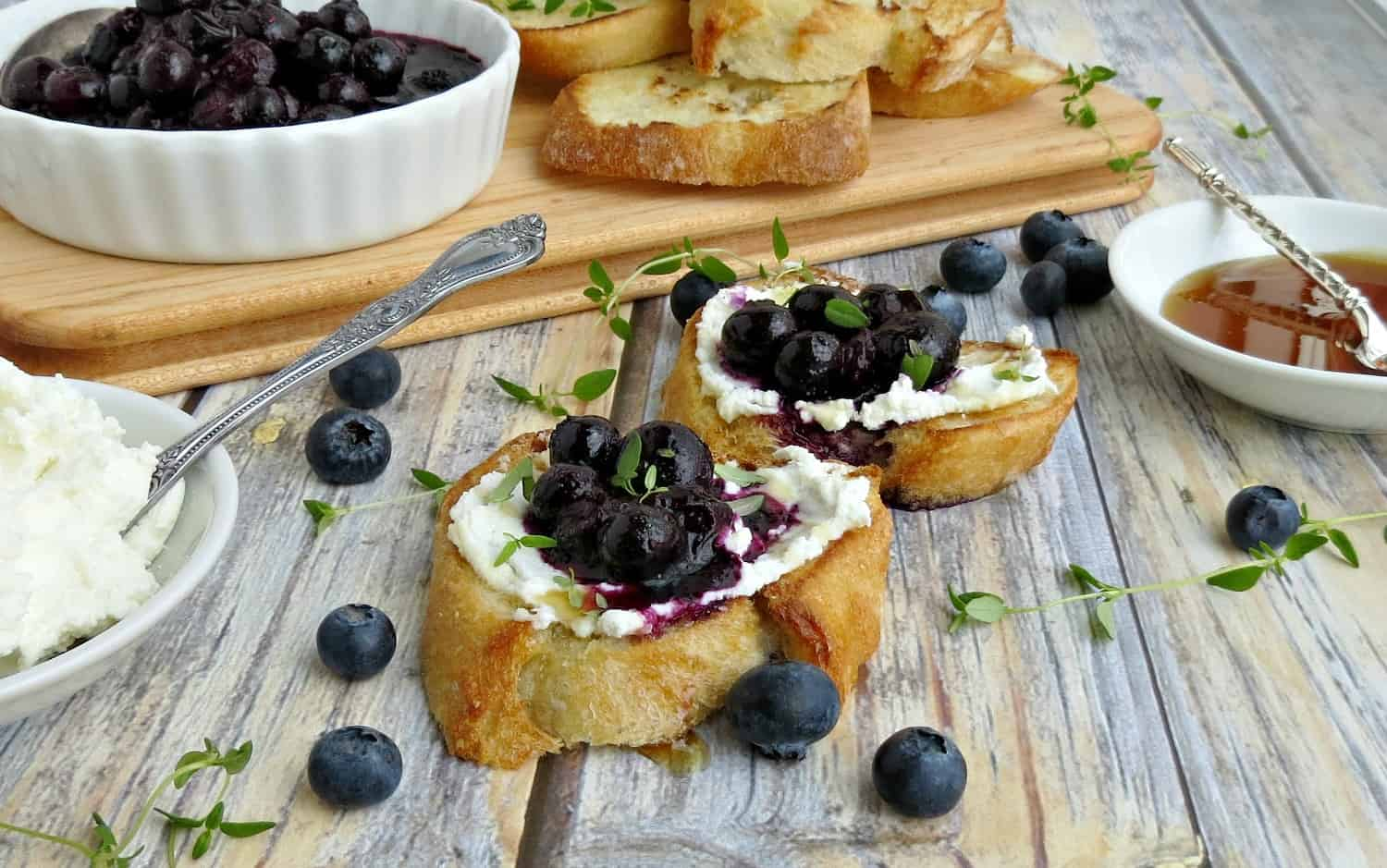 Blueberry Goat Cheese Crostini w Thyme Honey