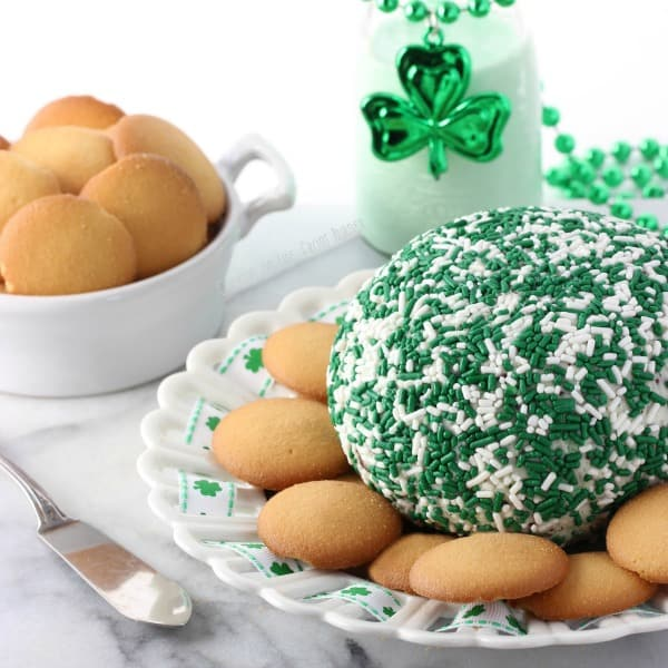Minty Shamrock Cheeseball from Juggling Act Mama