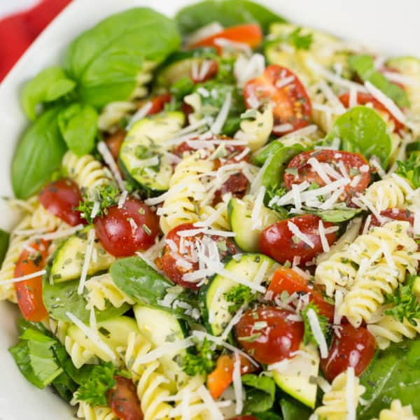 Gluten Free Rotini and Spinach Salad with Tomato, Zucchini and Red Pepper Recipe