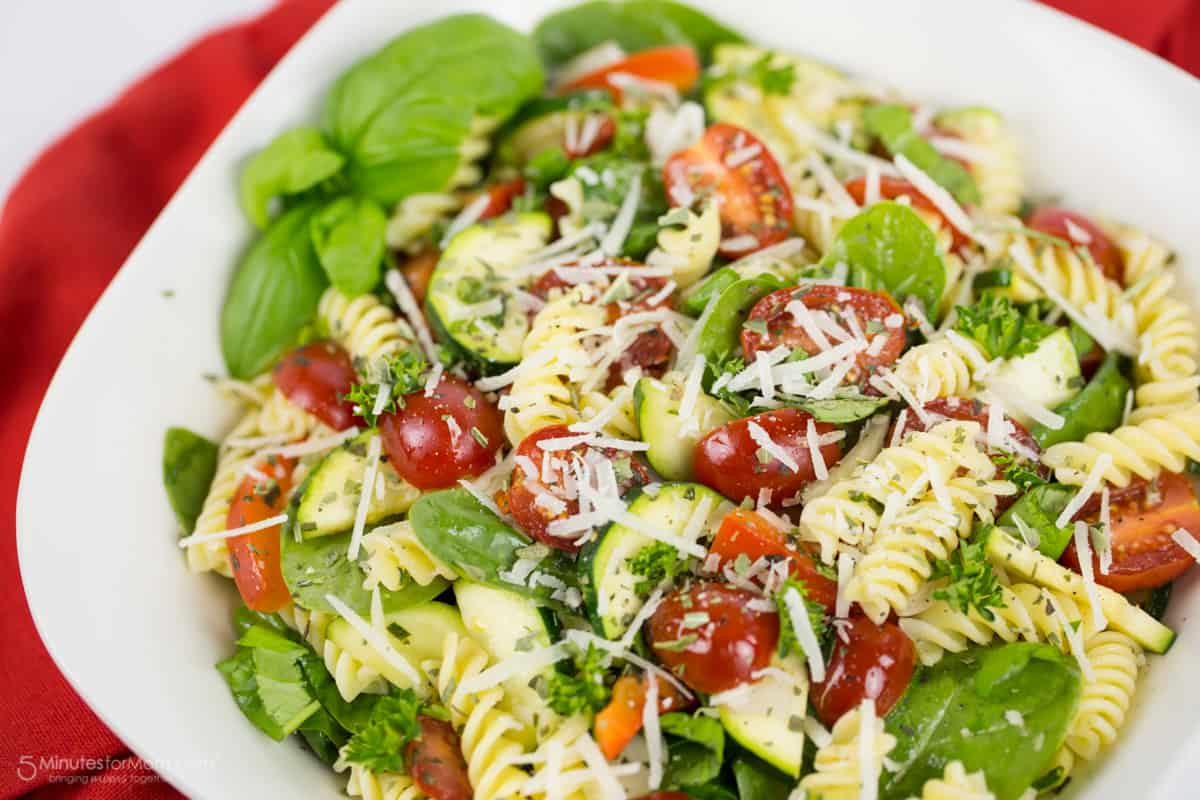 Gluten-Free Rotini and Spinach Salad with Tomato, Zucchini and Red Pepper Recipe