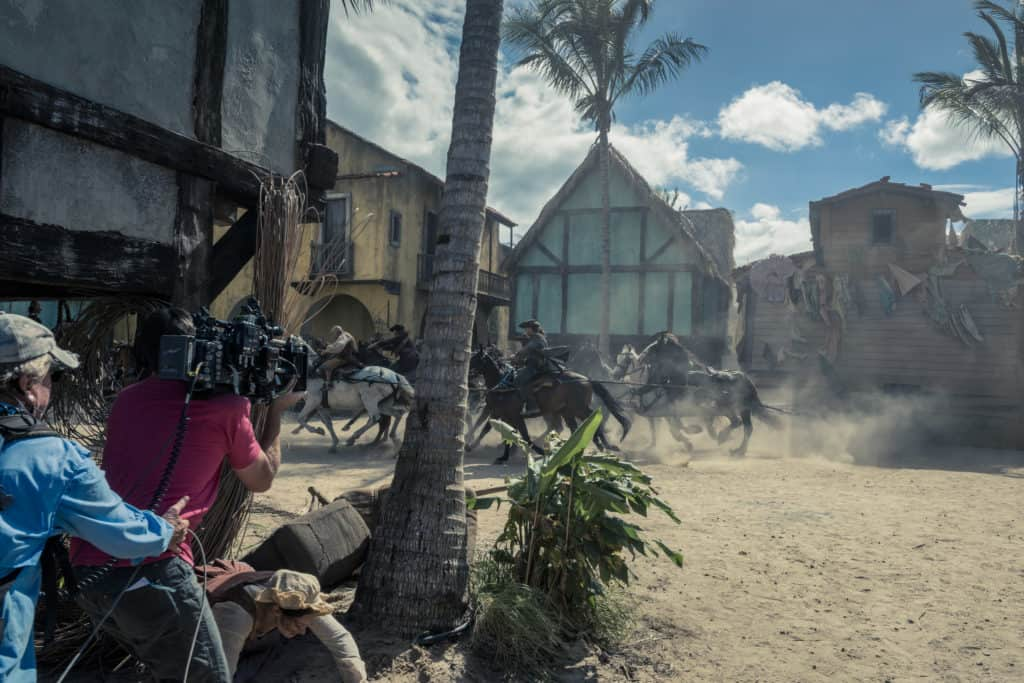 Pirates of the Caribbean: Dead Men Tell No Tales - filming - Directors filming opening scene