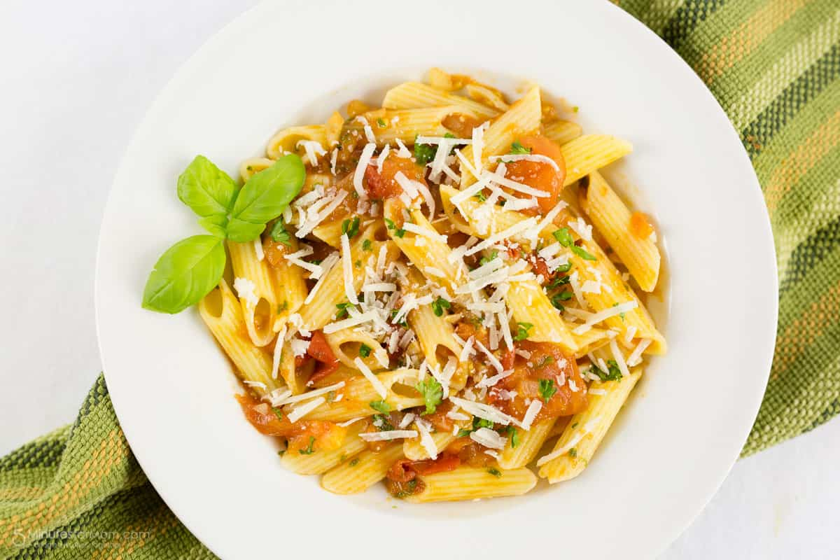 Penne with Fresh Tomato and Basil