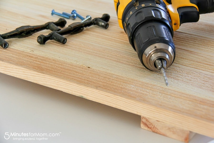 Measuring where to drill holes for the screws