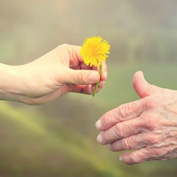 3 Stress-Free Ways To Care For Aging Parents