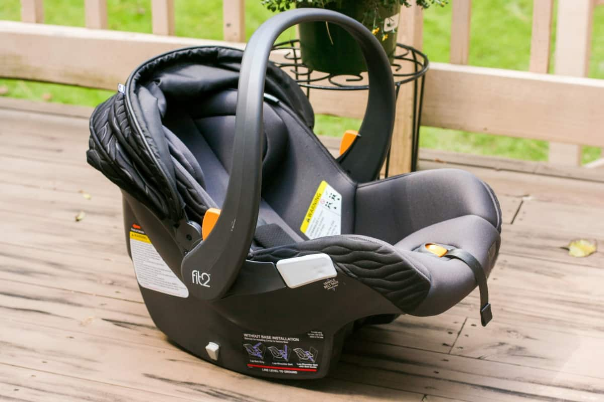 Chicco Fit2 Car Seat 5 - 5 Minutes for Mom