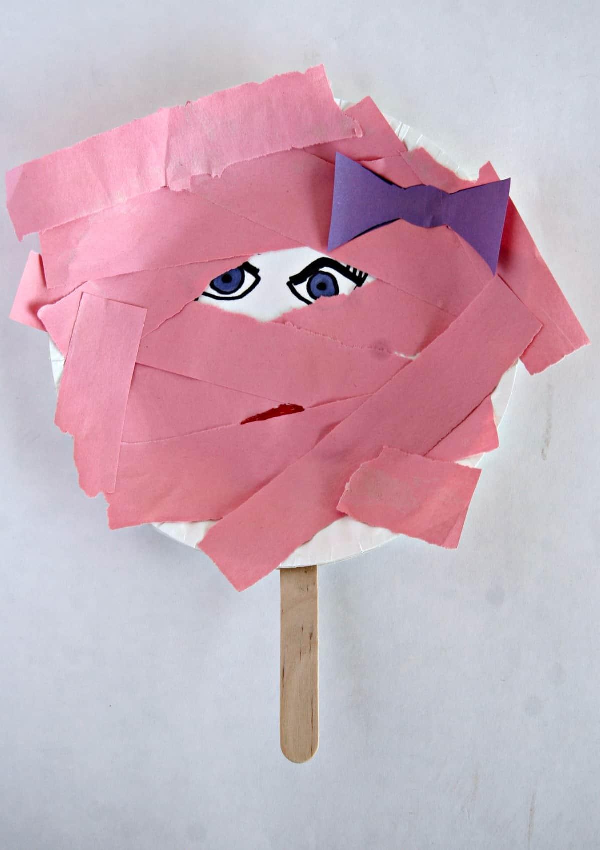 Miss Mummy Paper Plate Halloween Stick Puppet
