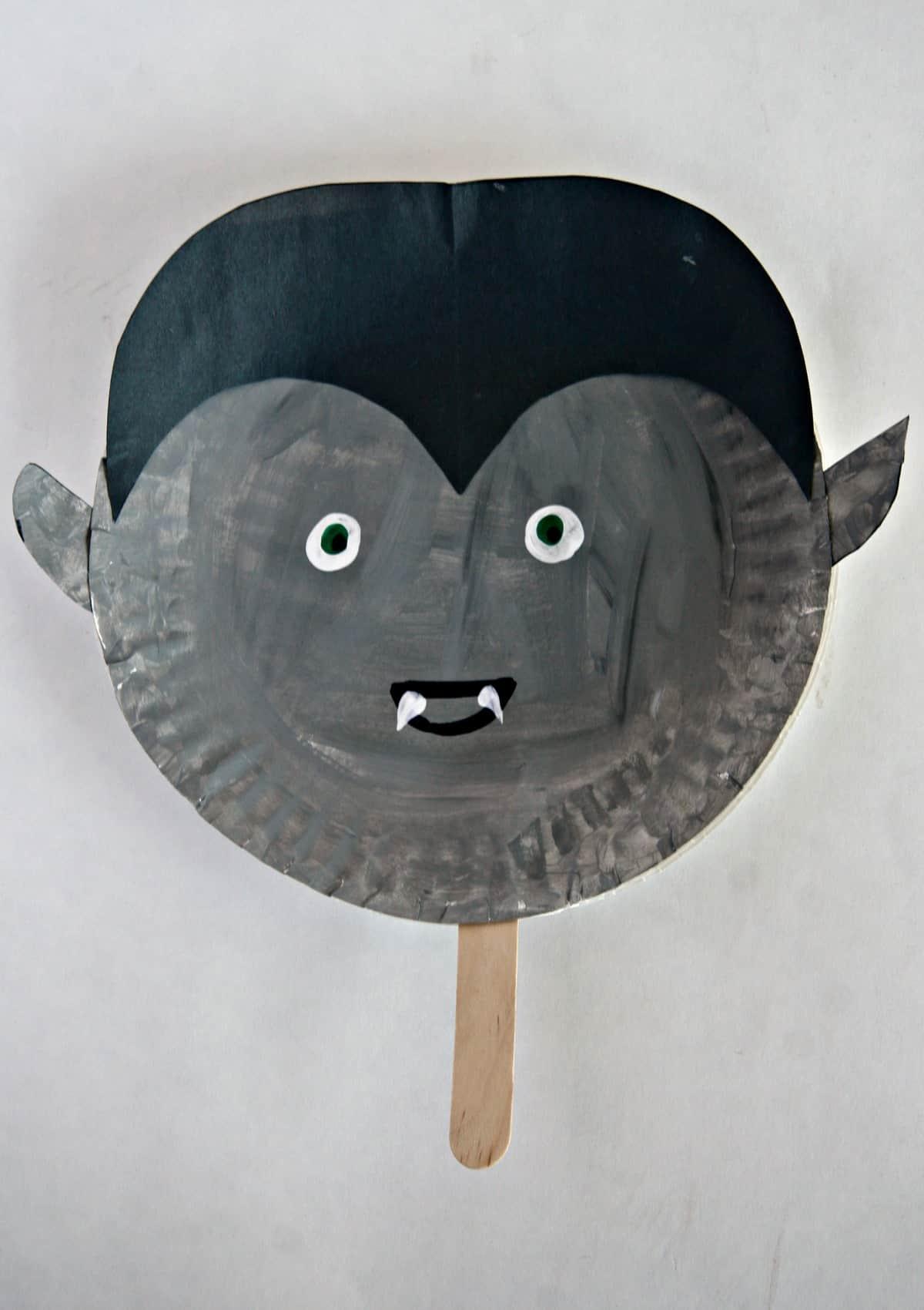 Vampire Paper Plate Halloween Stick Puppet