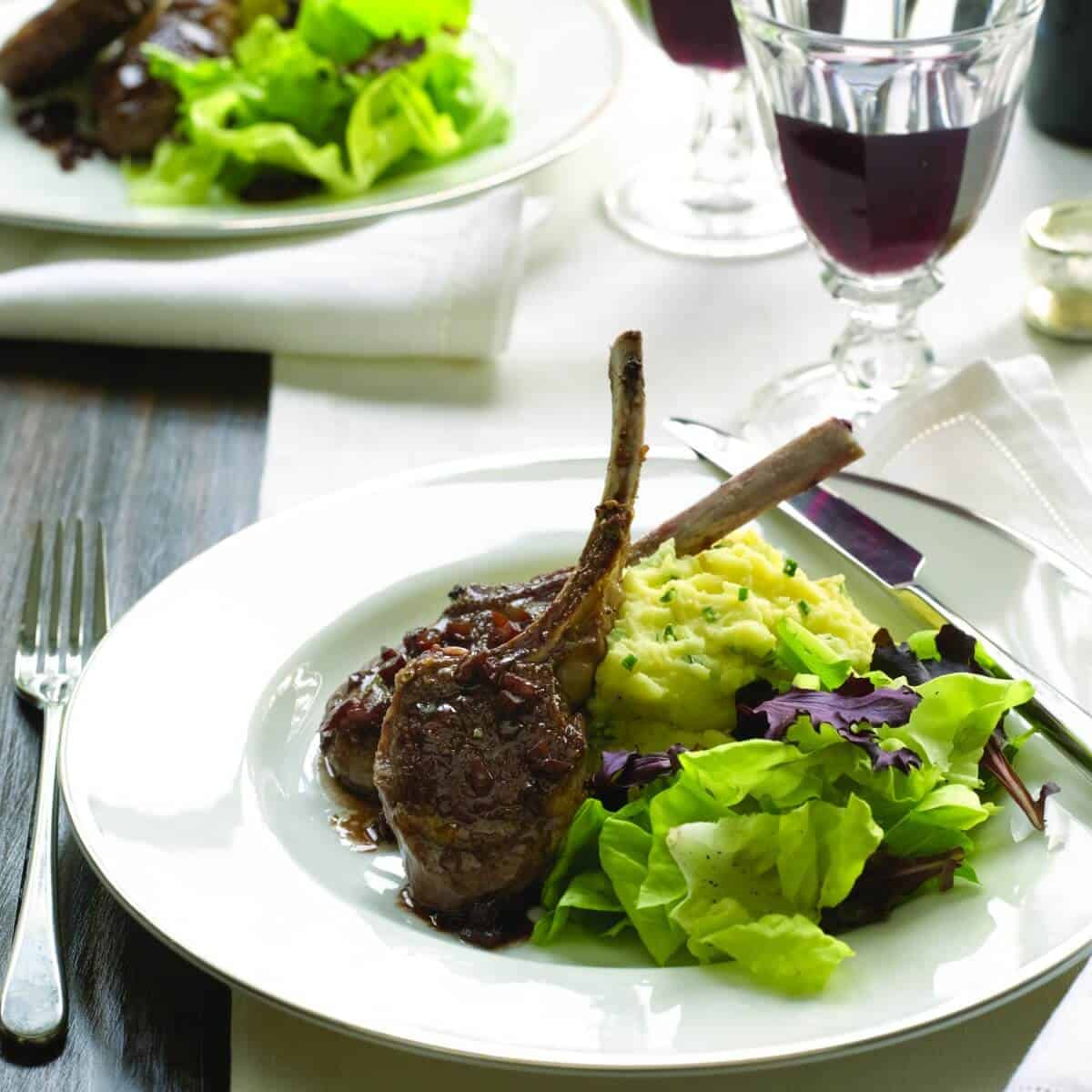 Baby Lamb Chops with Red Wine Sauce