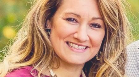 Liz Baugh - Avon Rep