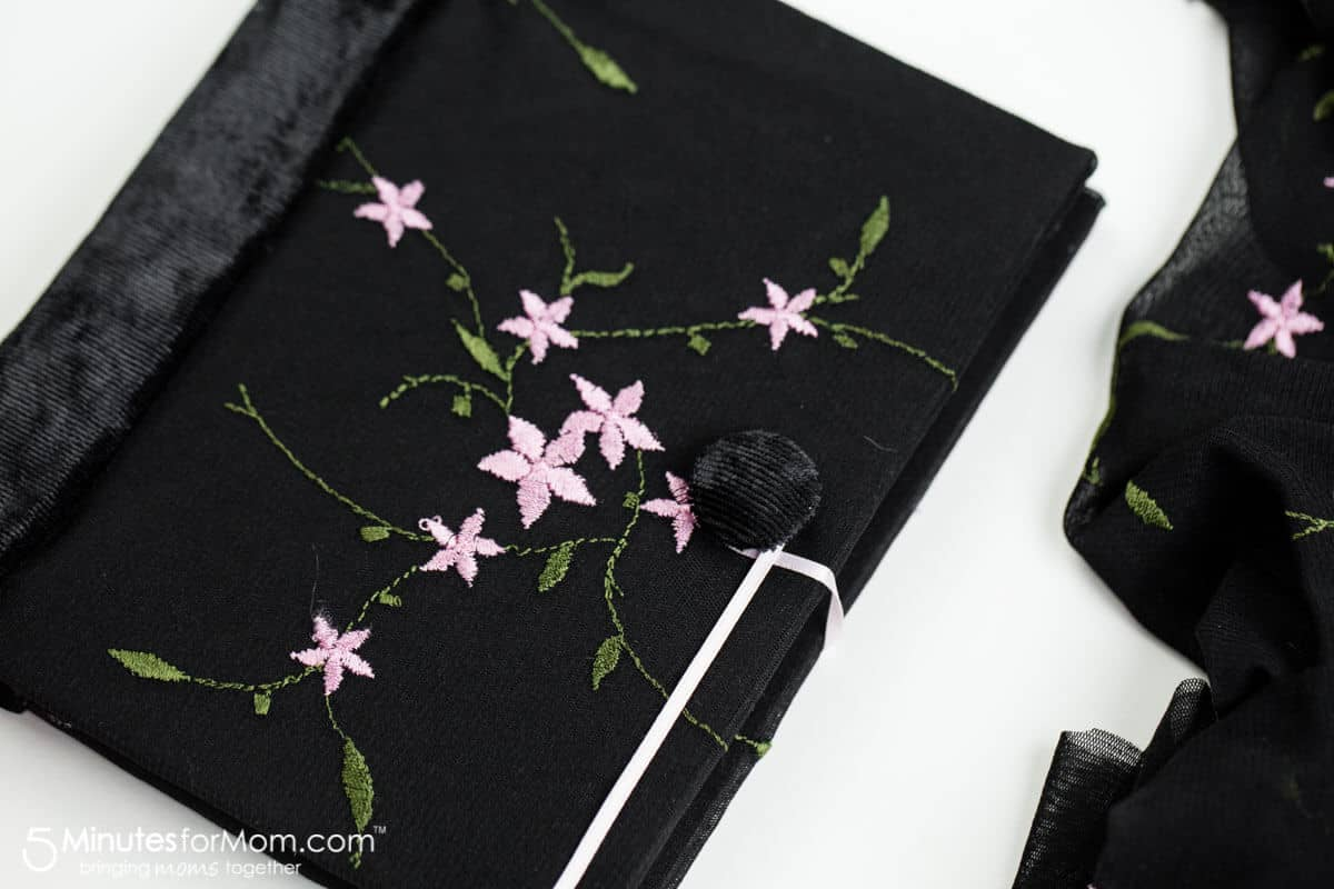 How to make handmade journals - step by step DIY tutorial