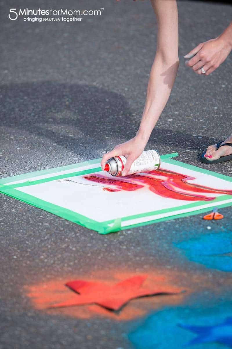 How to spray chalk an American Flag