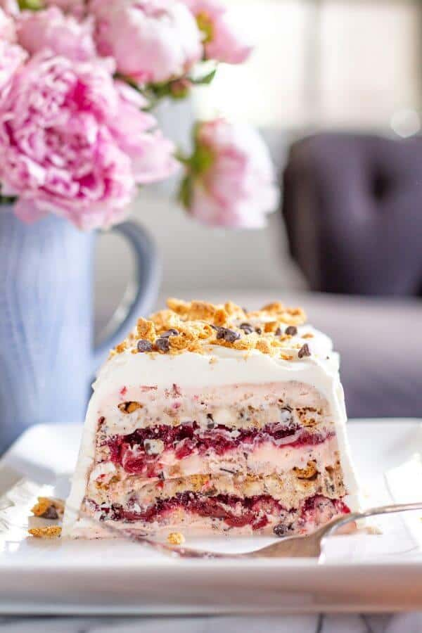 Easy Summer Desserts - Cherry and Fudge Ice Cream Icebox Cake from The Kittchen