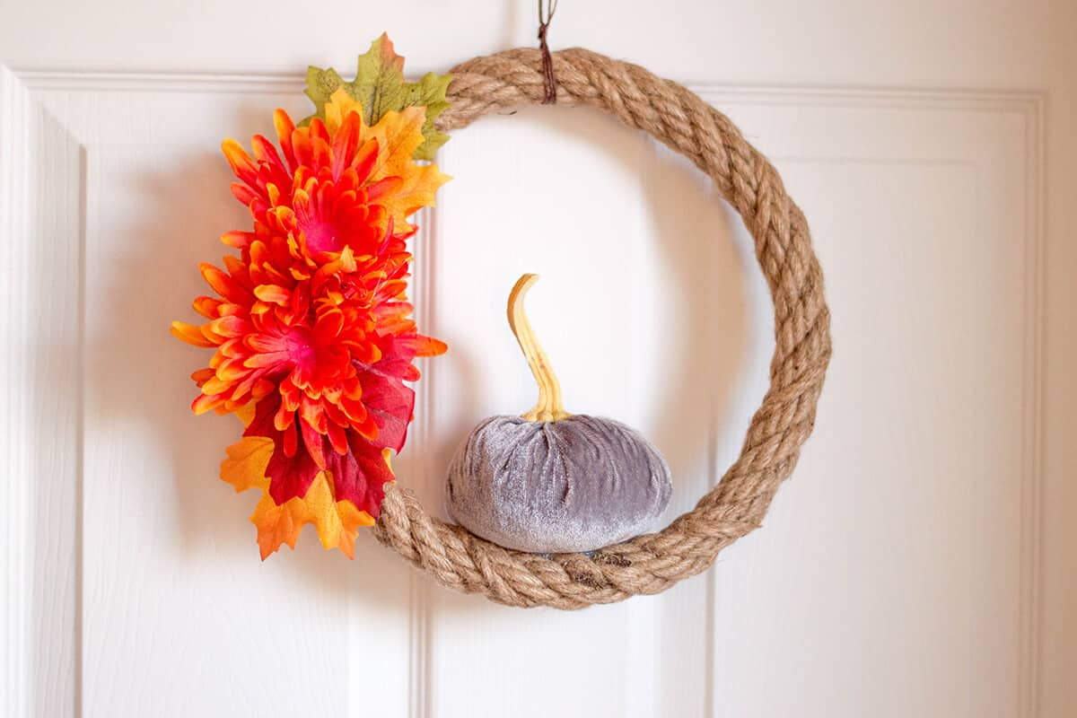 Elegant DIY Fall Wreath - Spruce up your home with this elegant, simple, cost-effective DIY Fall Wreath.
