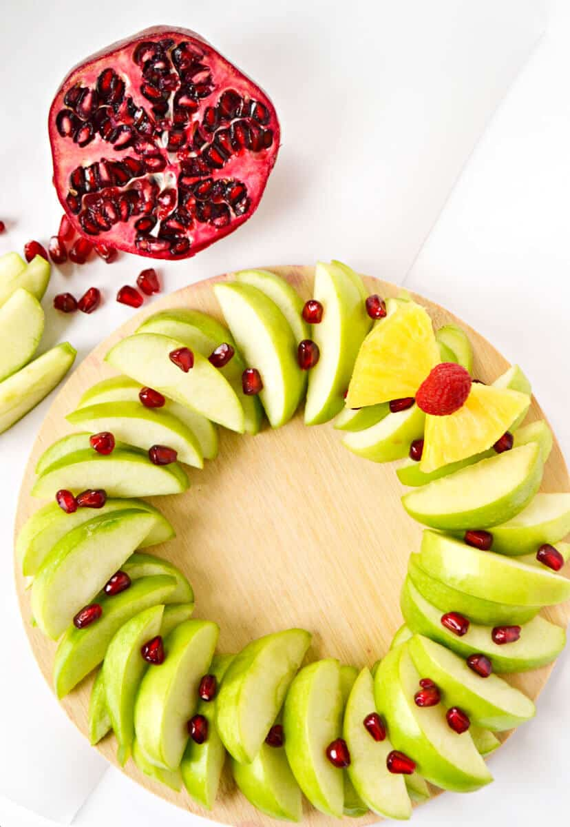 Healthy Christmas Snacks - Christmas Wreath Fruit Tray