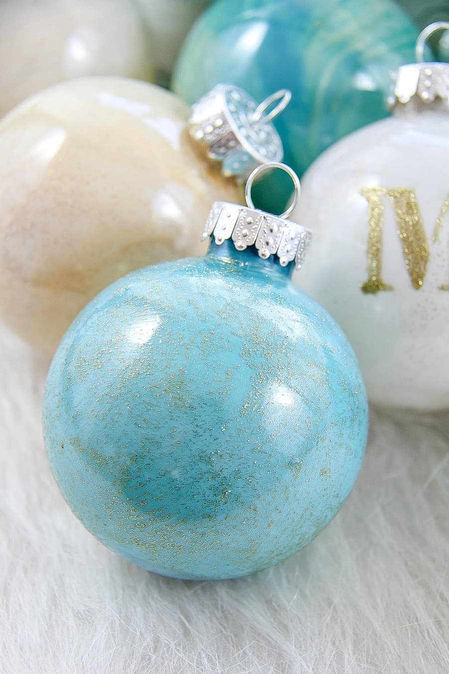How To Paint Christmas Ornaments 5 Minutes For Mom