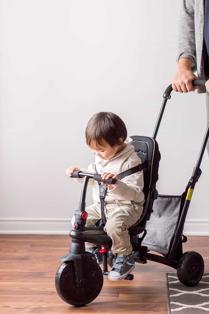 Make this holiday season one to remember? We're featuring the SmarTfold 500 - our favorite holiday toddler gift for the most wonderful time of the year.