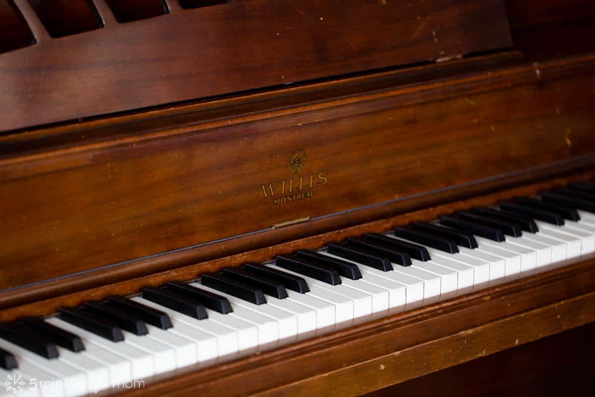 Willis Piano Montreal - Canadian made antique piano