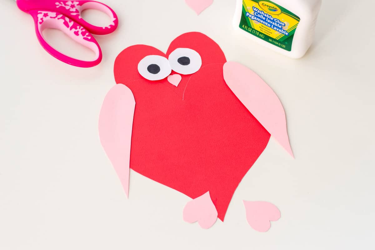Owl Heart Shape Paper Craft - DIY Valentine's Day Cards made up of heart shapes: here's how to make an Owl Heart Shape Paper Craft.