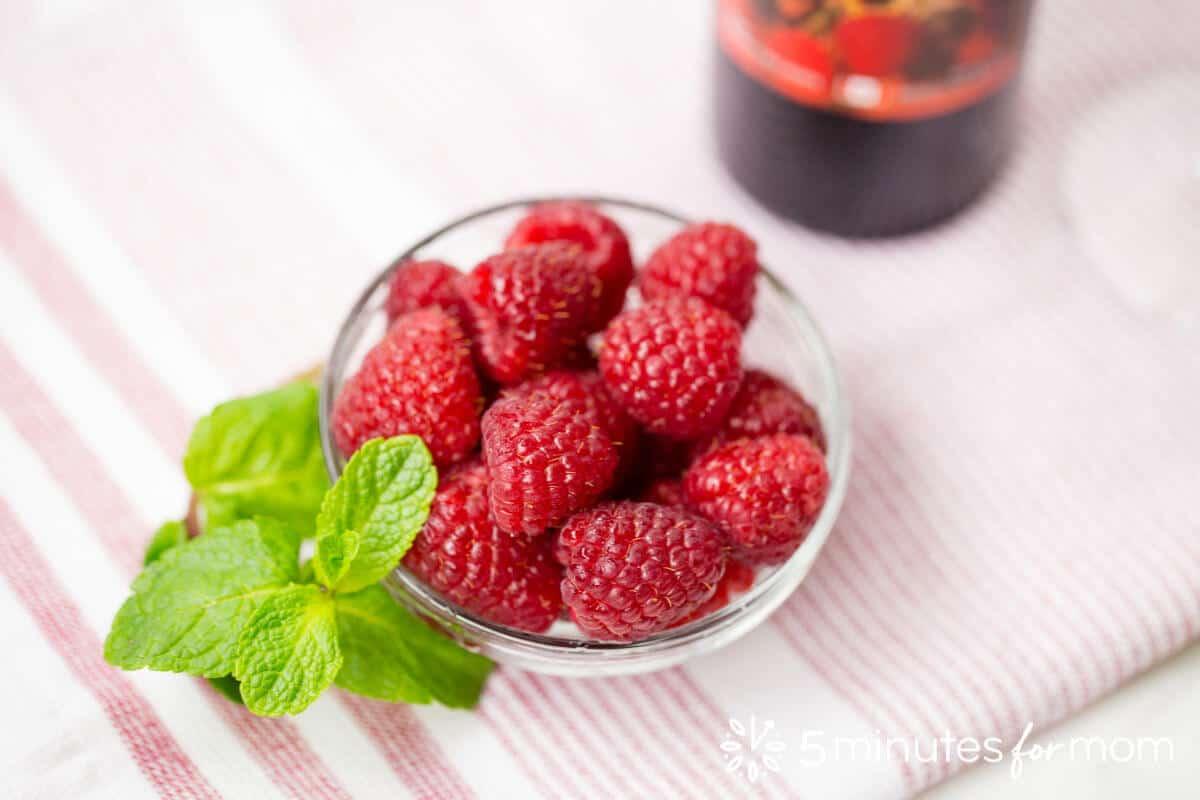Fresh Raspberries for Raspberry Sparkling Wine Cocktail