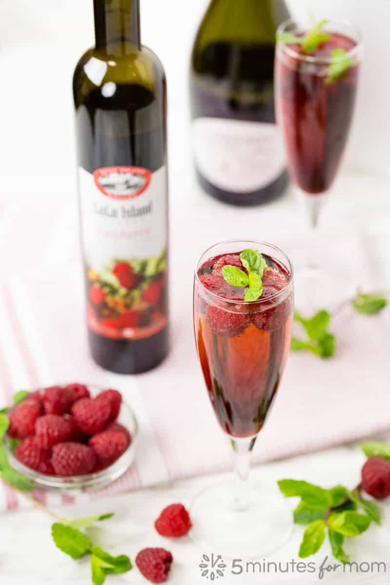 Raspberry Wine Cocktail Recipe