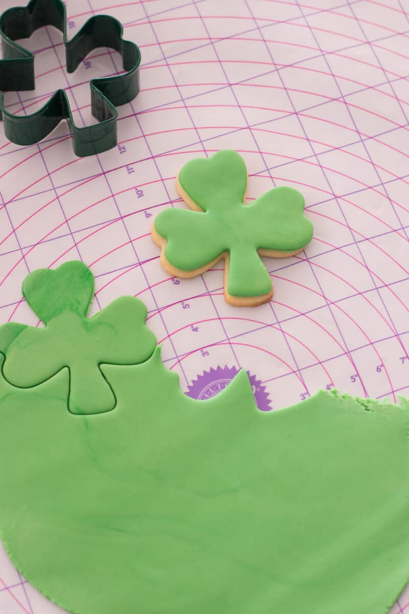 Decorating St. Patrick's Day Sugar Cookies