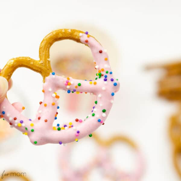 Dipped and Decorated Pretzels for Valentine's Day