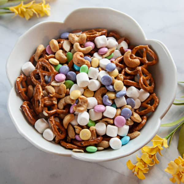 How to Make the Easiest Spring Snack Mix