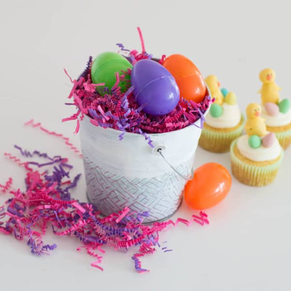 Easy Easter Centerpiece – Super Cute Spring DIY