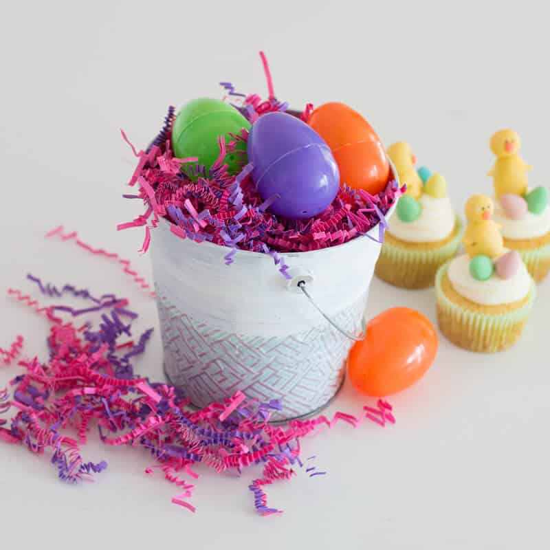 Easy Easter Centerpiece made up of low-cost crafting items. Cute spring DIY to make with kids.