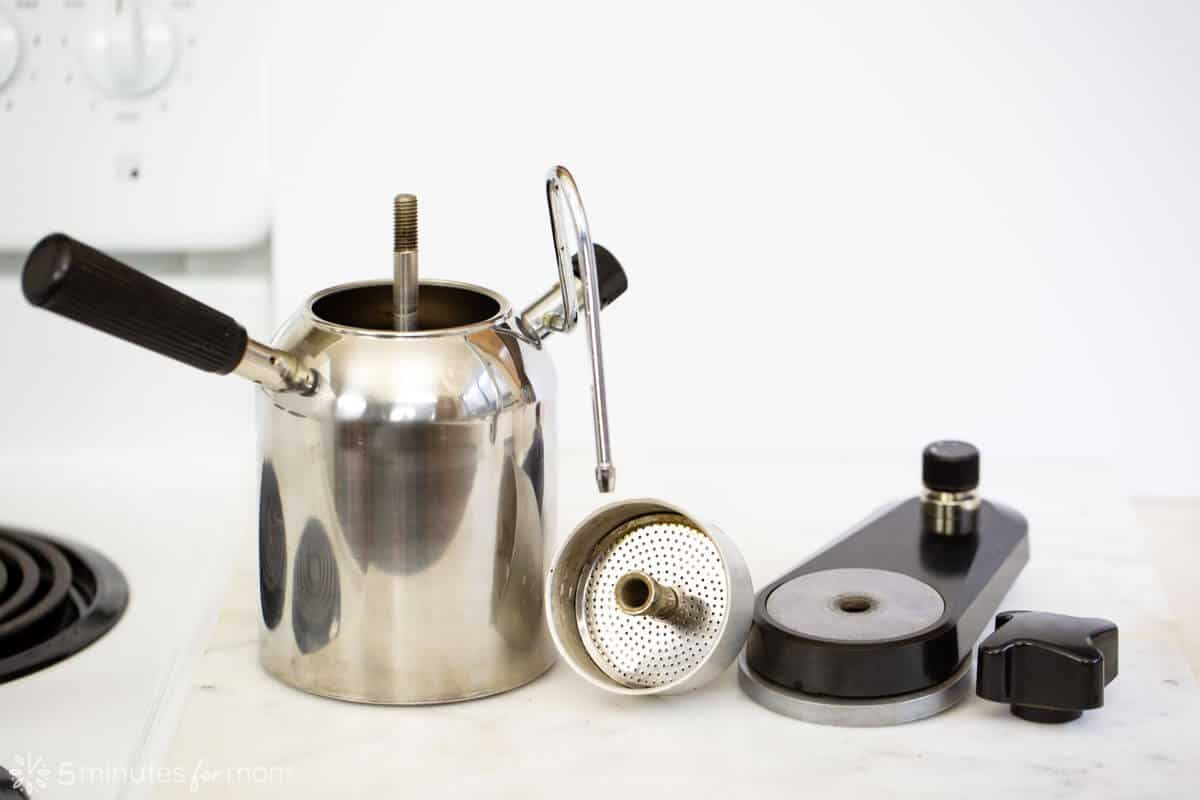 How does a stovetop espresso maker work