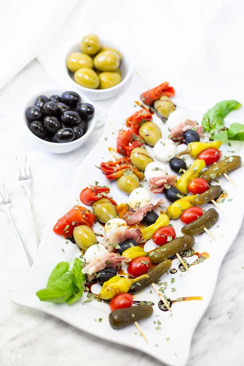 Appetizer Skewers – Easy Tapas with Olives from Spain