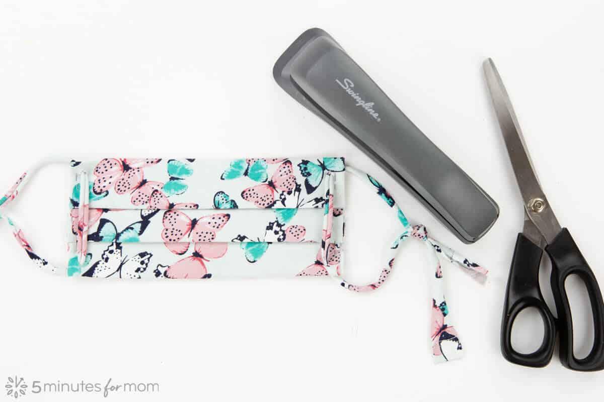 easy cloth face mask made using stapler