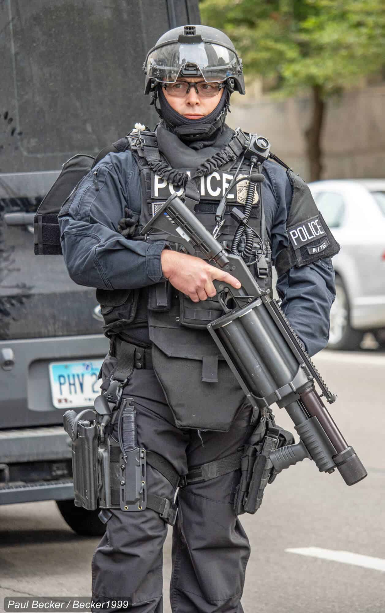 Heavily Armed Police Officer - Photo by Becker1999 Flickr