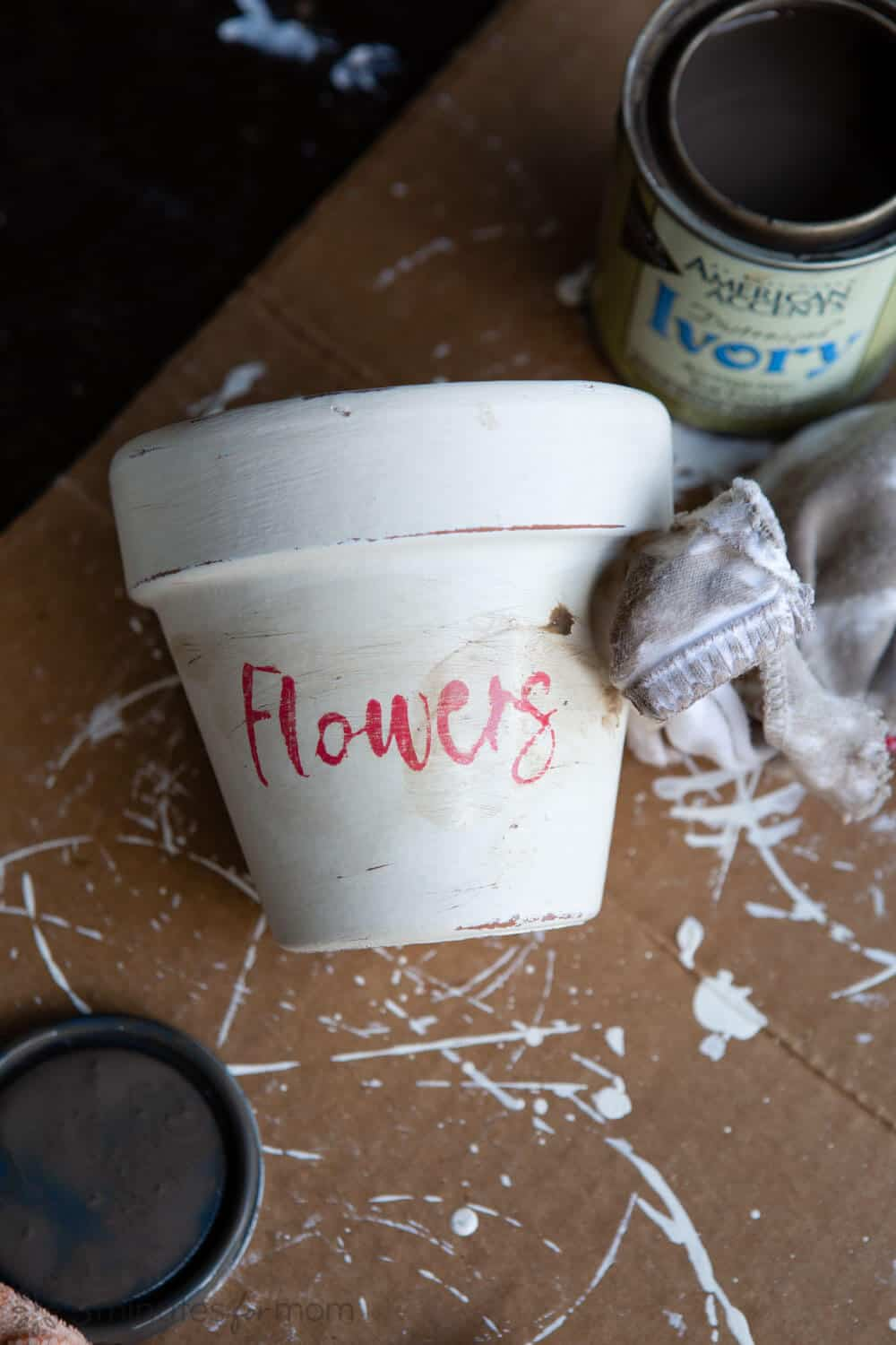 How to distress and age flowers pots