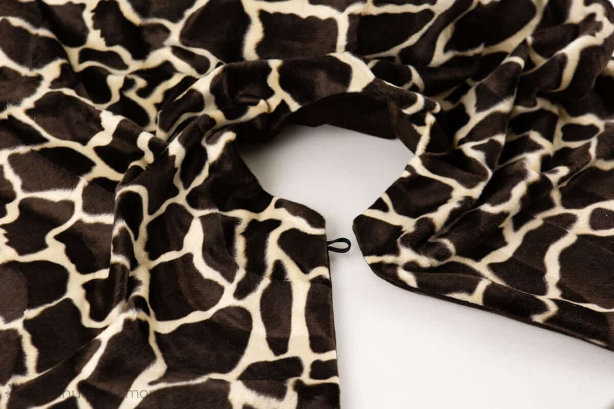 giraffe print plush capelet for giraffe costume