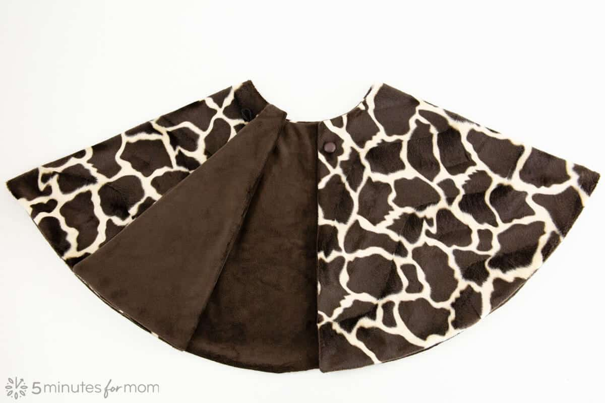 giraffe print faux fur capelet for giraffe costume sewing tutorial