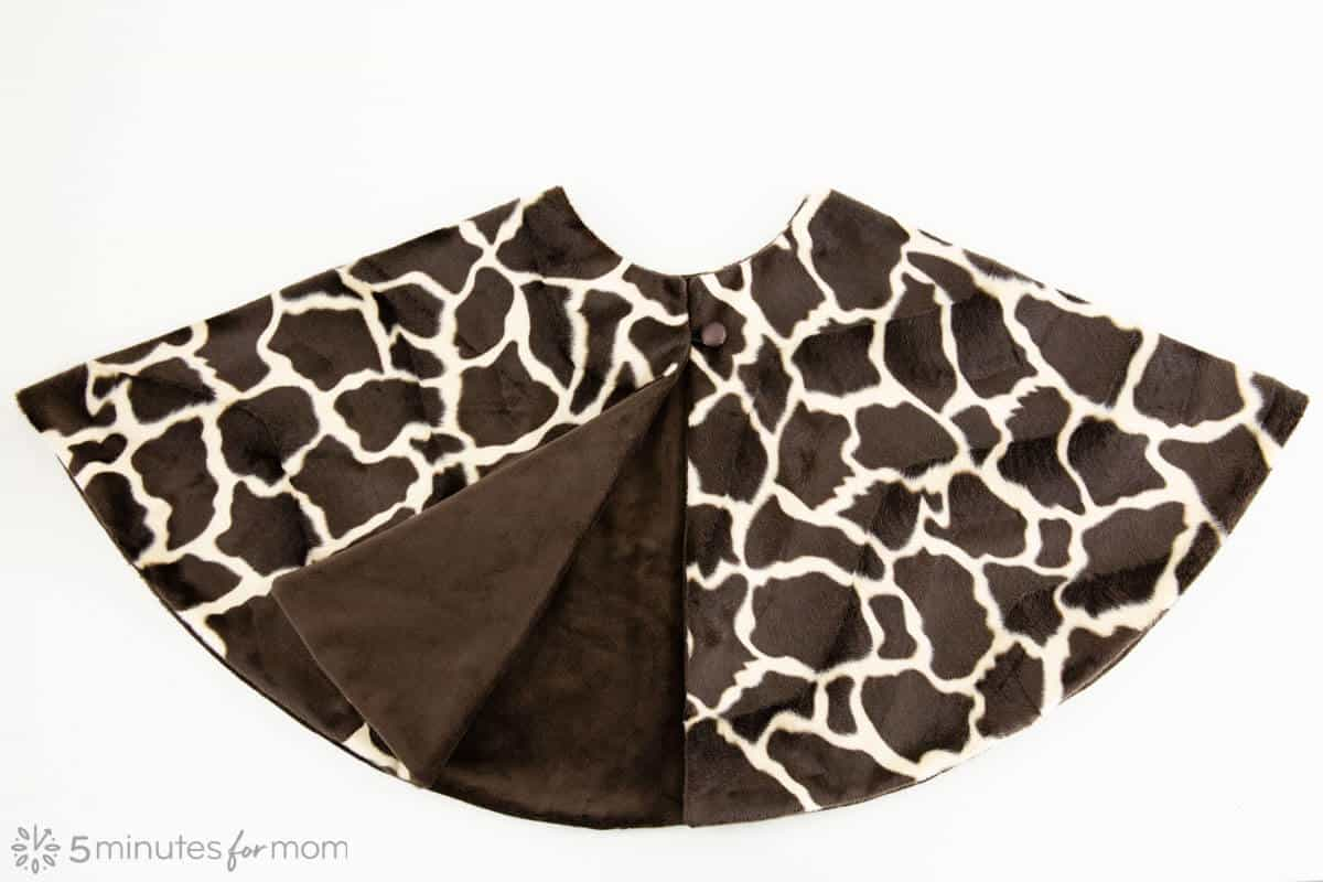 giraffe print plush capelet for giraffe costume sewing tutorial