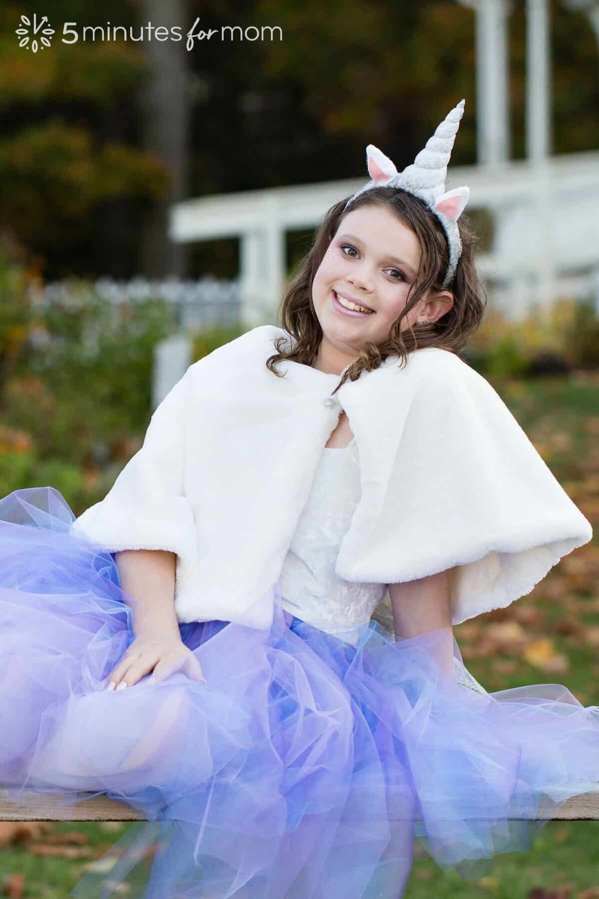 Faux fur capelet for unicorn costume - how to sew capelet tutorial