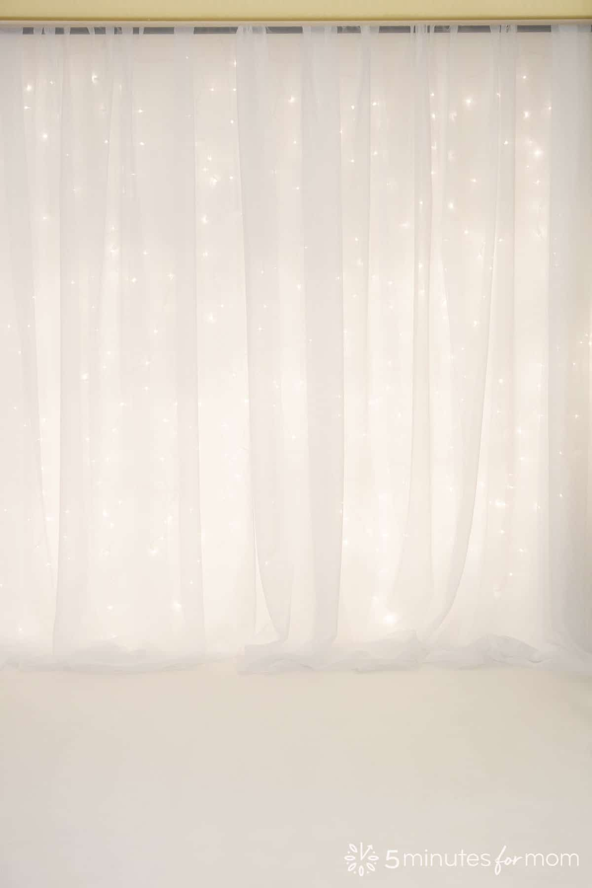 easy photo backdrop with mini lights